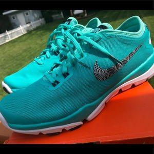 New in box women's Nike flex supreme fr size 8.5